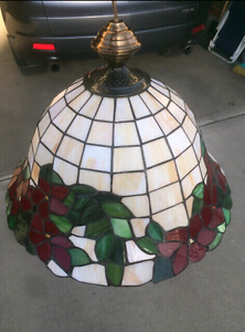 9x identical Stained Glass Tiffany Lamps.