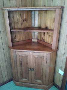 Timber corner unit