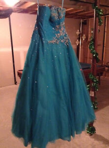 Beautiful Ball Gown Prom Dress! Cornwall Ontario image 4