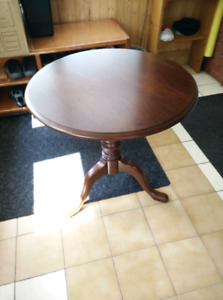 Table en bois franc