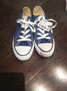 Brand New Converse shoes women's size 6