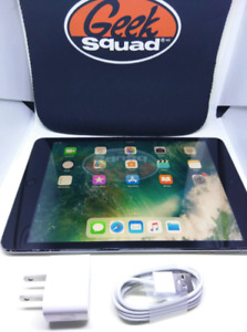 Apple iPad mini 1 16GB with case, charger and plug