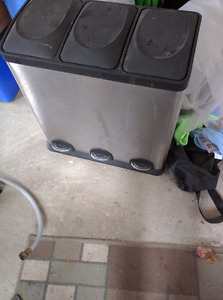 Steel garbage bin with 3 bins - excellent quality