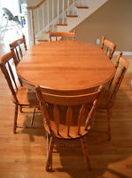Canadel Dining table/chairs and hutch
