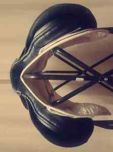 """17"""" leather english saddle and pads Edmonton Edmonton Area image 6"""