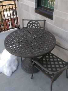 Hauser Cast Aluminum Table and 4 Chairs