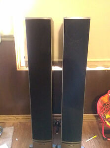 Polk RTI 12 Tower Speakers