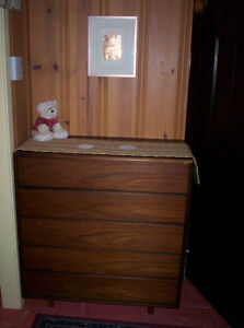 4 commodes - 4 chests of drawers