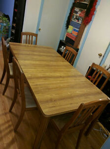DINING ROOM TABLE, 6 CHAIRS, MATCHING HUTCH