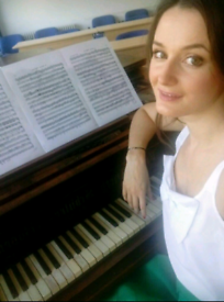Piano lessons ( free trial ) !