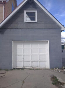 Large garage with power for rent in downtown Lindsay