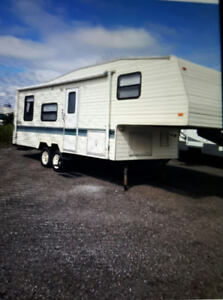 1994  terry  28ft 5th wheel trailer,