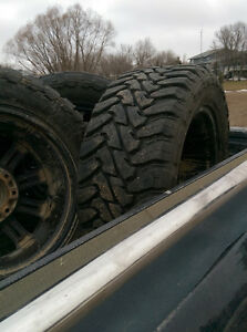 33x12.5x20 toyo open country mt