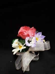 Pink Purple and White Artificial Flowers$1.00