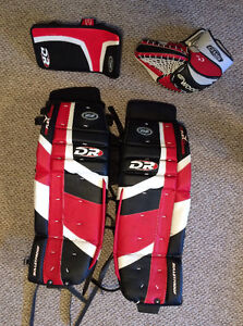 Full set of goalie equipment. Excellent condition Kitchener / Waterloo Kitchener Area image 1