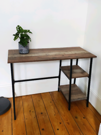 Beautiful Wooden effect desk with metal legs