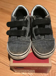 Vans old skool v toddler shoes size 8