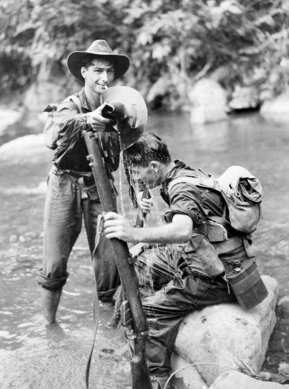 WWII Photo Australian Soliders Bathing New Guinea   WW2 B&W World War Two / 1202