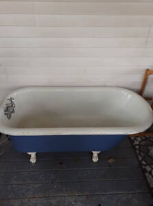 Antique clawfoot tub for sale
