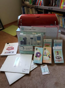 Cricut Cake Machine with tons of extras!