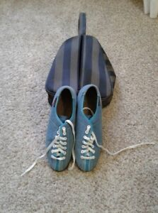 """Ladies like new 6 1/2"""" bowling shoe with carry bag."""