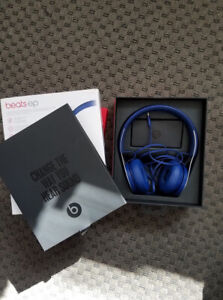 *OpenBox* Beats by Dr. Dre EP on-ear sound isolating headphones