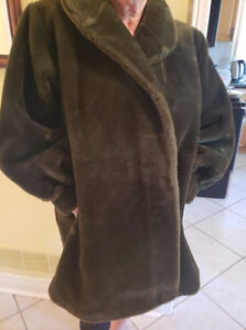 Winter coat in Olive green size 1x , 14-16, plus size jackets