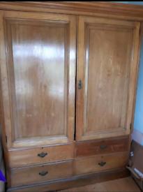 Large double door wardrobe with 4draws