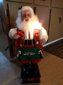 Workshop Santa light up,head and hand moves.2 feet tall