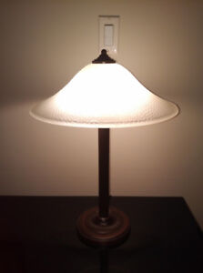 "Beautiful  20"" Table Lamp ~ Bronze Finish with Glass Shade"
