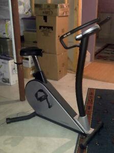 Upright exercise bike - Proteus Magnetic resistance model