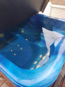 2 seater hottub - good condition