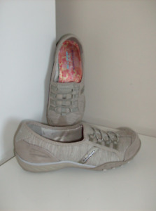2 Pair  Size 6.5  NEW Skechers Shoes & Rockport Shoes