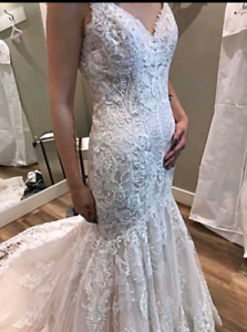 Allure bridal gown size 8