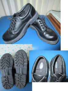 BLACK ~Size 3   BUSTER BROWN ** Dress Shoes