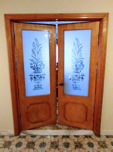 2 sets of 2 Wood Door with decorative glass.