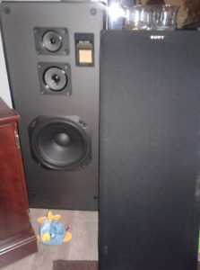 2 Sony SS-C57 tower 3-way speakers