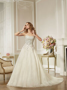 Beautiful Ronald Joyce Wedding Dress! Peterborough Peterborough Area image 1