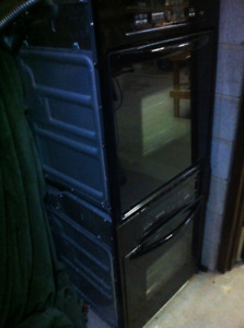 """2X 24"""" KITCHEN AID BUILT IN CONVECTION OVENS"""