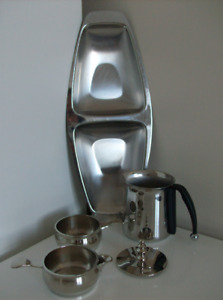 5 Pieces - Stainless Steel Creamer set + Milk Container + Tray
