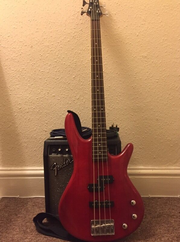 Ibanez Gio Soundgear GSR200 bass guitar with Fender Frontman 15B ...