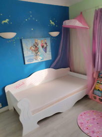 Single princess bed with mattress and canopy
