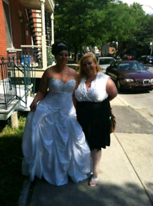 WHITE WEDDING DRESS  SPECIAL ONLY 200$
