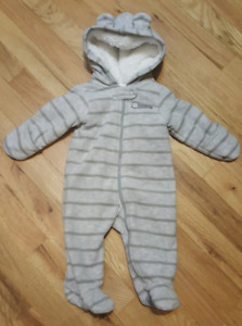 Carter's size 3 month boys snowsuit