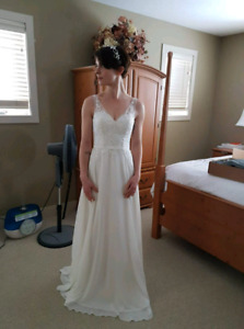 Mori Lee Ivory Gown Size 2