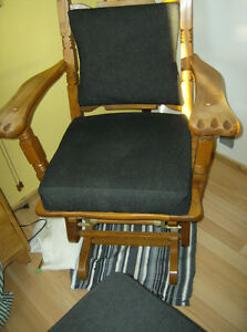 1970's GLIDING ROCKING CHAIR/FOOT STOOL
