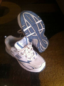 size 5 new balance sneakers