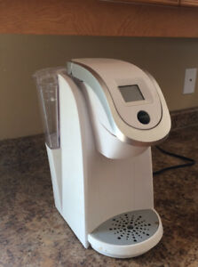 Keurig 2.0 Coffee Maker in Excellent Condition