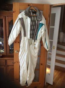 """Snowsuit """"Descente"""" West Island Greater Montréal image 1"""