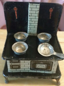 """Early """"Royal"""" Antique Miniature Tin Stove Doll House Cook Stove"""